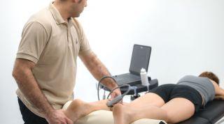 Tratamiento de 2 casos clínicos reales mediante fisioterapia invasiva